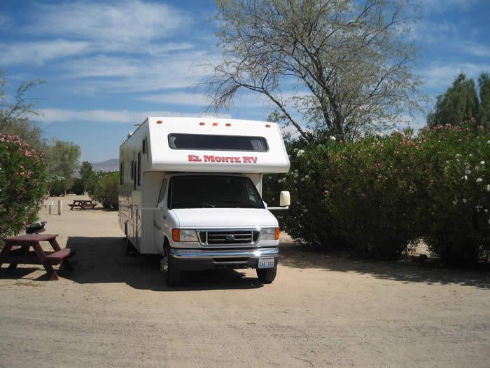 アメリカ レンタルキャンピングカー(モーターホーム)の旅 KOAバストゥ-RVパーク