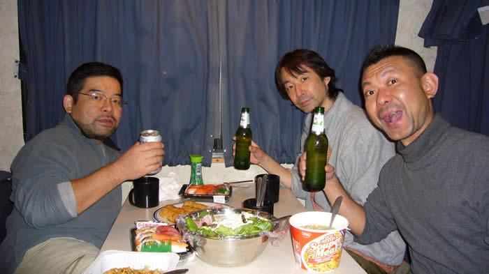 アメリカ キャンピングカー(モーターホーム)の旅 夕食シーン