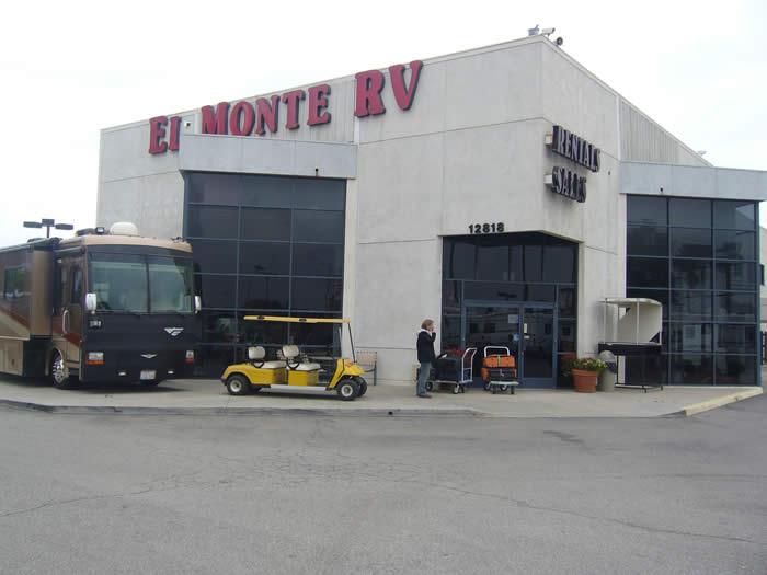 キャンピングカー(モーターホーム)レンタルオフィスへの送迎