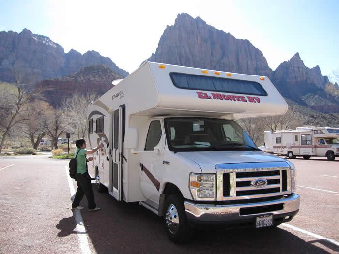 アメリカ キャンピングカー(モーターホーム)の旅 学生&若者向け旅行